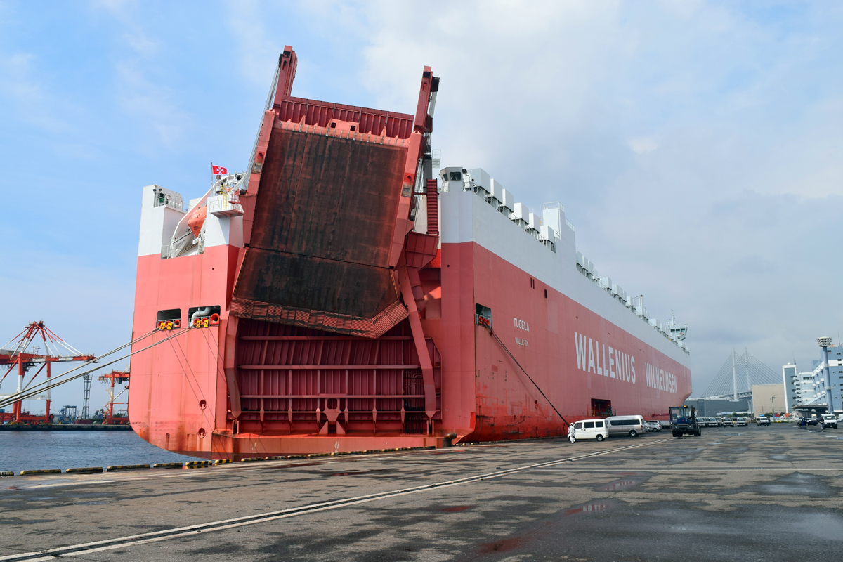 shippinmg_manual_roro_vessel_wwl_tugela_rampway